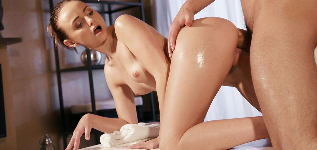 MassageRooms: Young couple slow oily massage fuck – Lady Bug