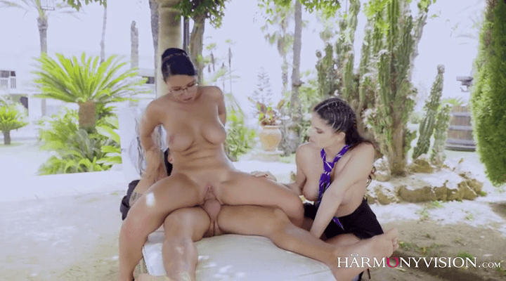 HarmonyVision – Kira Queen , Francesca Dicaprio – Nude Art Class