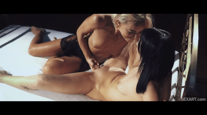 SexArt – Angie Moon , Emma Button  – Through The Kisses