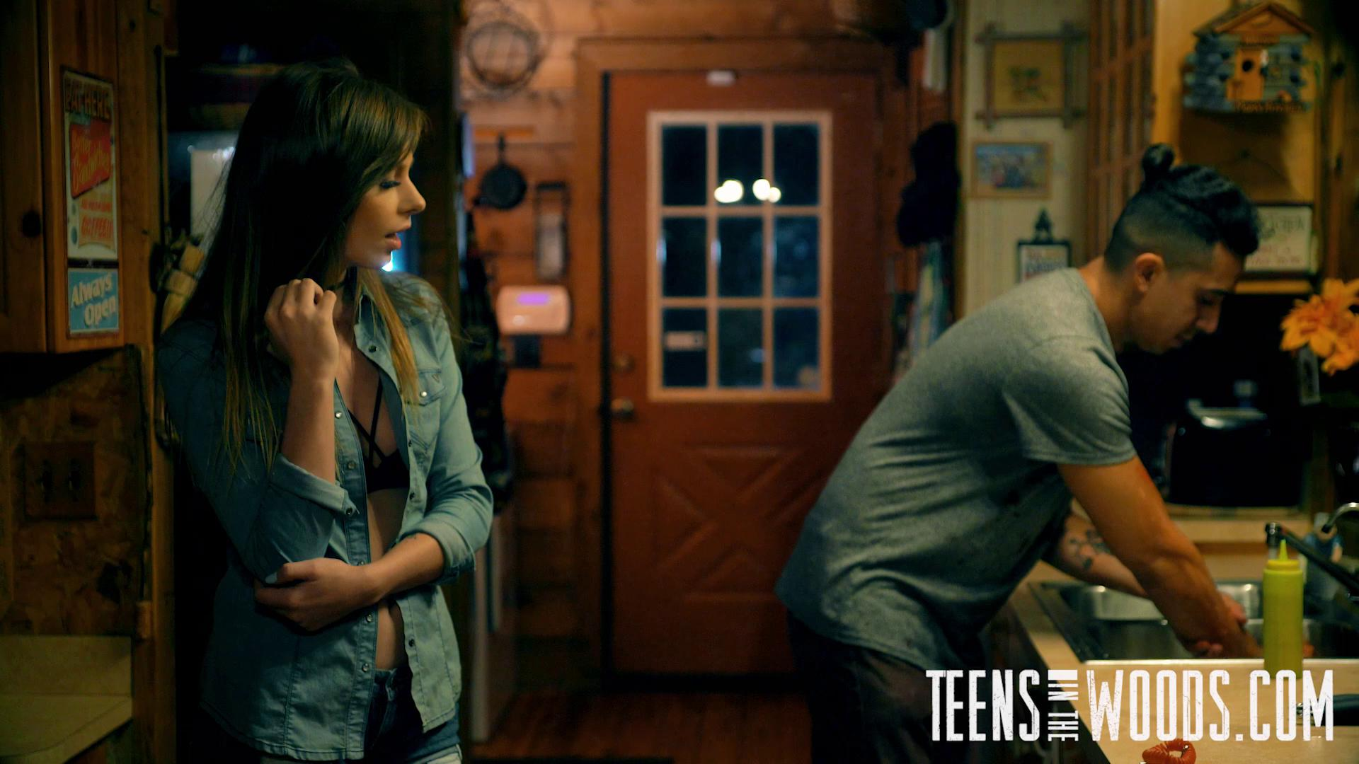TeensInTheWoods E14 Alex Blake