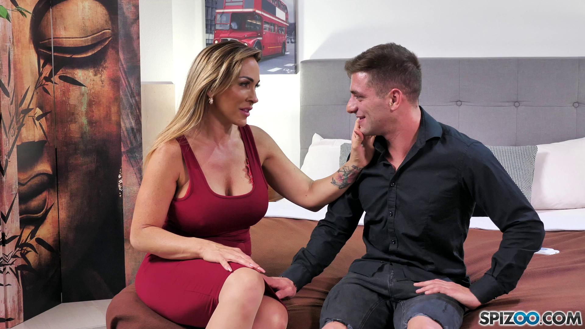 Spizoo – Aubrey Black Perfect Date